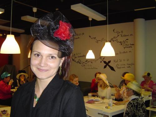 Naisten hattuilta keväällä 2014